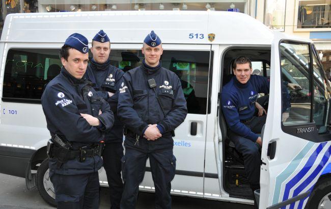 ВБрюсселе задержали вооруженного мужчину поподозрению втерроризме