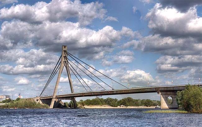 Фото: Московский мост (facebook.com-ChudoKiev)