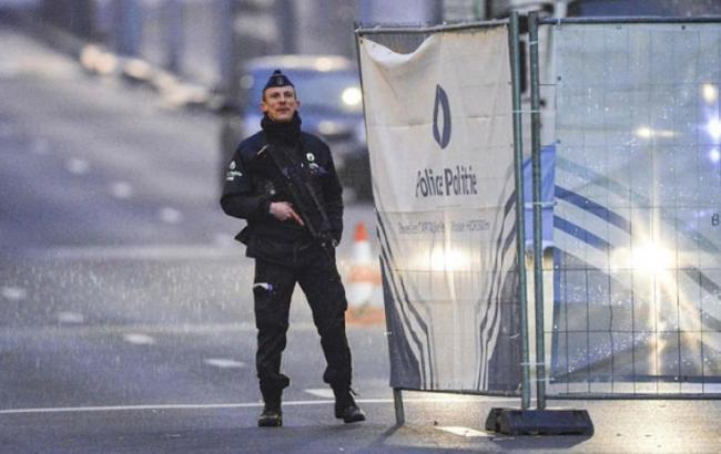 Фото: бельгийская полиция распространила фото предполагаемых исполнителей терактов