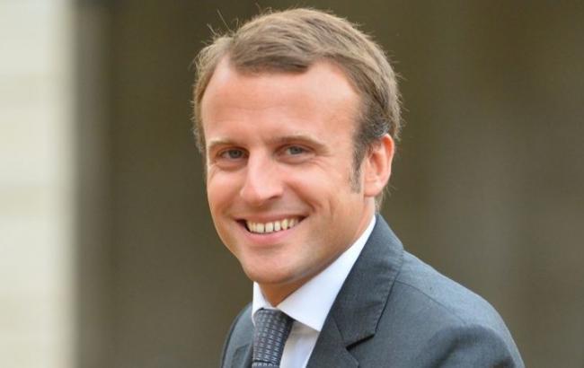 Макрон переможе в першому і другому турах виборів у Франції, - опитування