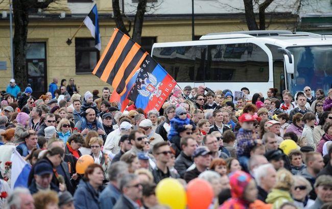 В «ДНР» оккупанты сгоняют железнодорожников, которые требуют зарплат, вряды боевиков