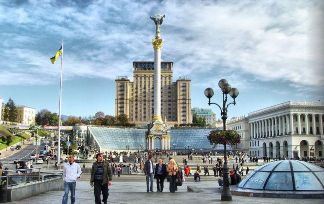 На Майдане началось вече