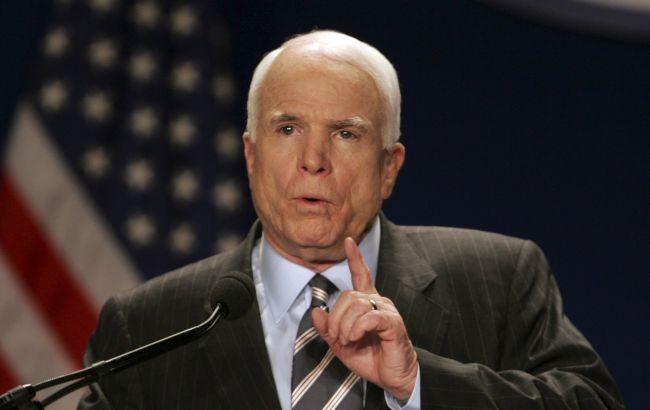Маккейн призвал Трампа покаяться вслучае наличия связей сРоссией