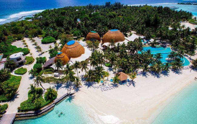 """Воду и свет """"добывают"""" на месте: раскрыли детали о высоких ценах за отдых на Мальдивах"""