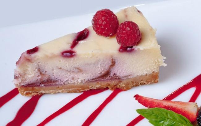 Любителям сырных десертов: малиновый чизкейк с белым шоколадом