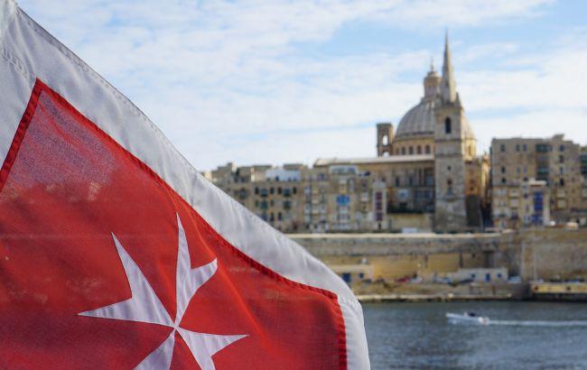 """Уряд Мальти змінив умови отримання """"золотих паспортів"""""""
