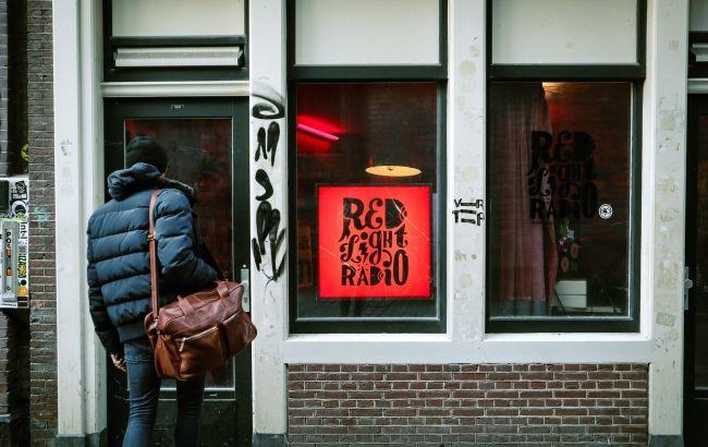 Пандемия в Нидерландах пошла на спад. Откроют музеи и кинотеатры