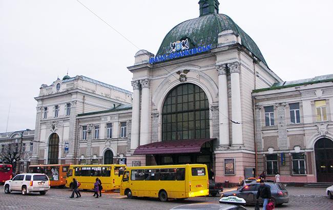 Громадський транспорт в Івано-Франківську може бути небезпечний (Фото - Mapio.net)