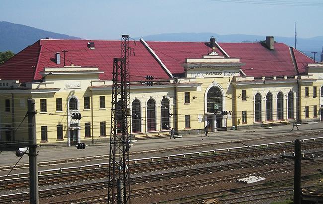 Фото: станция в Мукачево (mapio.net)