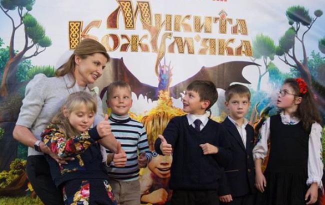 Фото: Марина Порошенко в окружении детей (facebook.com)