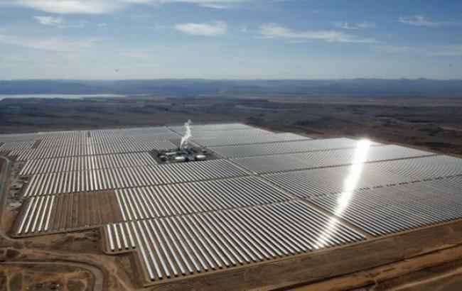 Фото: сонячна електростанція на півночі Африки (АР)