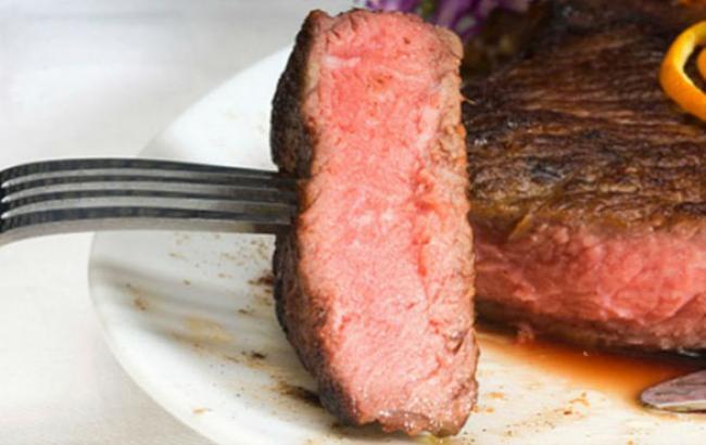 Фото: досі червоне м'ясо вважалося шкідливим (youtube.com)