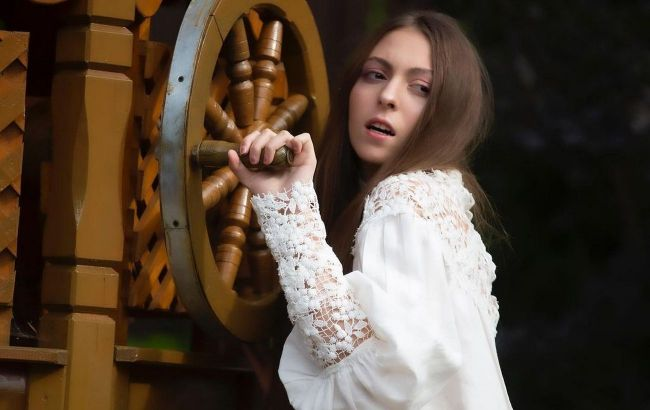 Диснеївська принцеса: дочка Олі Полякової захопила фоловерів новим стильним луком