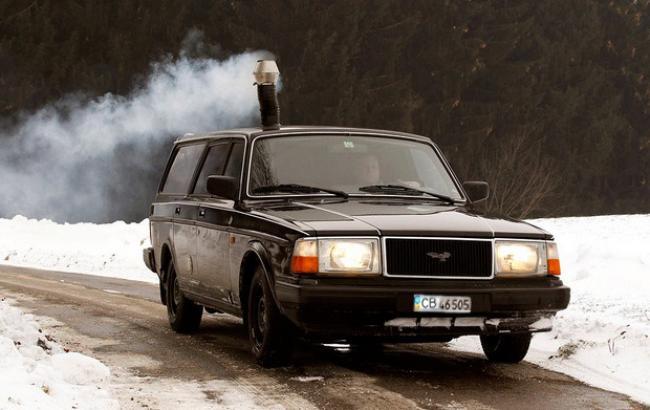 Фото: Машина на дровах