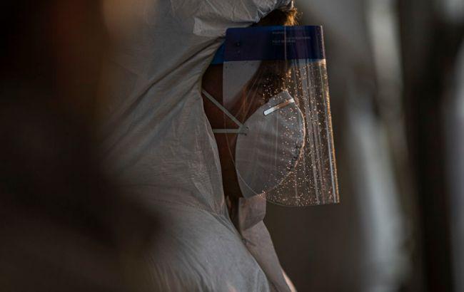 В США за сутки от коронавируса умерли более 1,5 тыс. человек