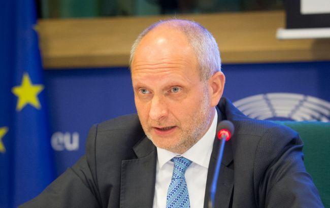 ЕС поддерживает украинских врачей в борьбе с коронавирусом, - посол