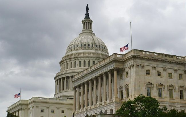 Конгресс США не вписал в санкции госдолг России
