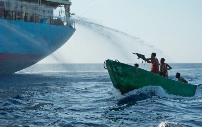 Фото: в Малайзии захватили судно, когда оно направлялось из порта Таньюнг-Пелепас