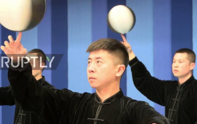 Китаєць схрестив кунг-фу з баскетболом: у мережі з'явилося вражаюче відео