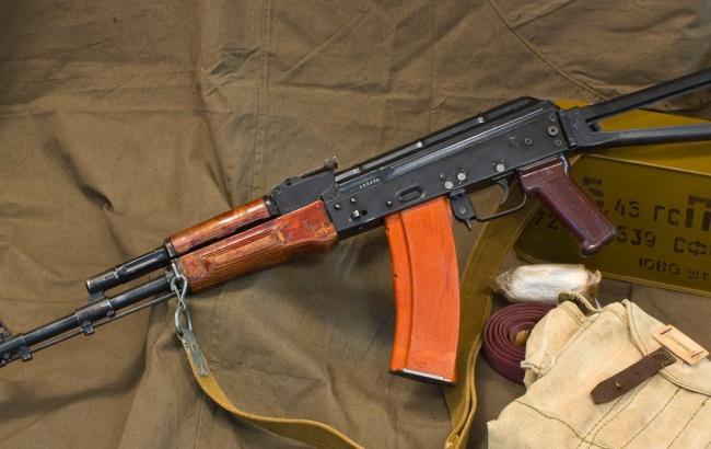 Из воинской части в Житомирской области украли 5 автоматов АКС-74