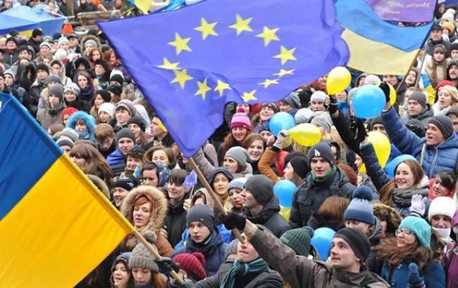 День гідності і свободи: Україна відзначає річницю революцій