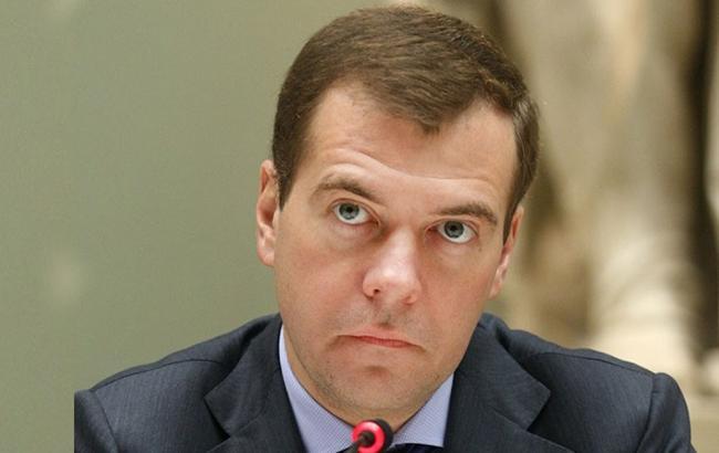 Дмитрий Медведев не исключает разрыва дипотношений с Украиной