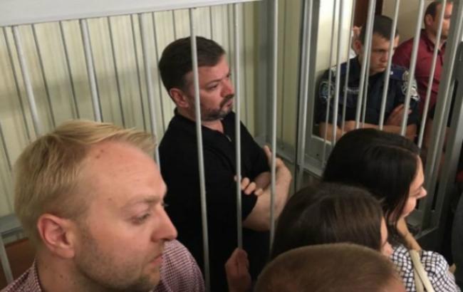 Фото: экс-нардеп Владимир Медяник в Печерском райсуде (Hromadske.TV)