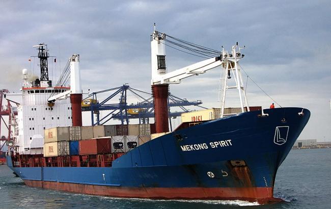 До України повертаються 12 моряків з заарештованого в Греції судна