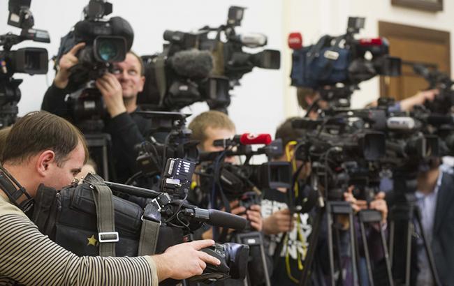 Фото: журналісти українських телеканалів (menr.gov.ua)