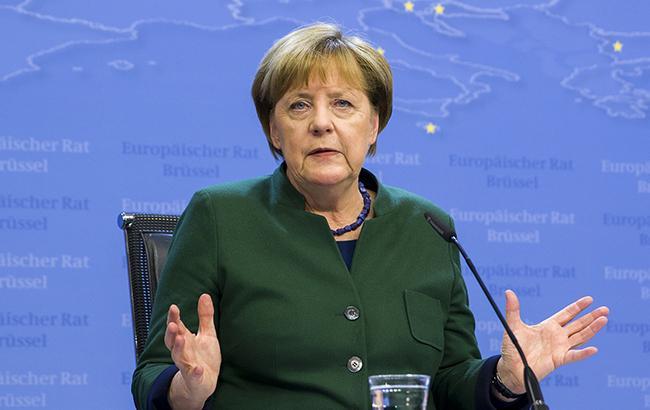 Меркель призвала Великобританию как можно скорее начать переговоры по Brexit