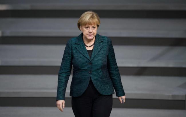 """Меркель заявила, що немає """"ніяких виправдань"""" для нацистських порівнянь Ердогана"""