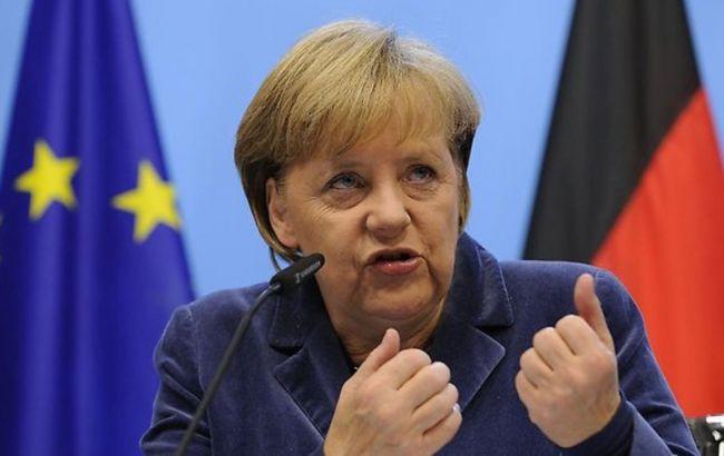 Меркель: ЄС продовжить санкції проти РФ до повної імлементації мінських угод