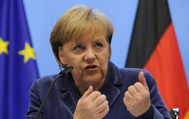 Фото: Ангела Меркель вважає неправильним танки на вулицях