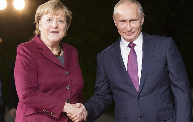 Меркель прибыла в РФ для переговоров с Путиным по конфликтам в Украине и Сирии