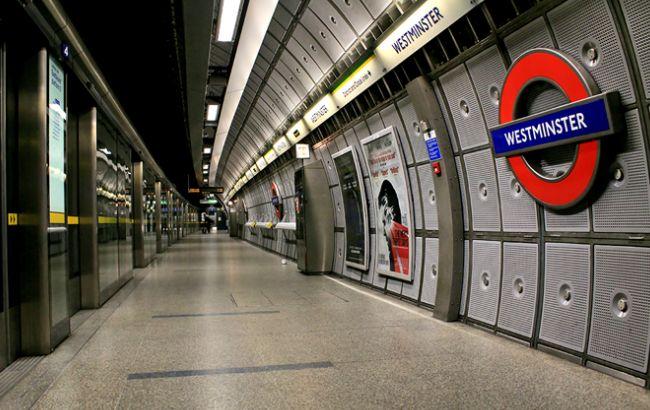 Фото: дві гілки метро, Victoria і Central, на вихідні працюватимуть цілодобово