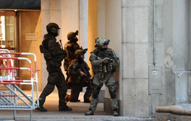 Фото: в Мюнхене продолжается спецоперация по поимке преступников