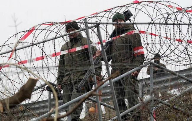 Фото: заграждения на словенско-австрийской границе (AFP)