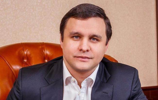 """Фото: Кабмін звільнив голову """"Укрбуду"""" Микитася"""