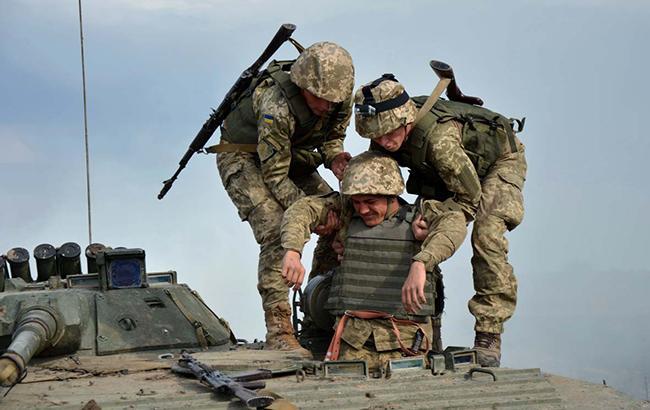 Фото: ранен военный (mil.gov.ua)