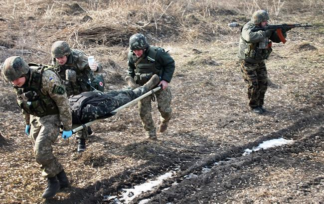 На Донбасі загинули троє українських військових, - ООС