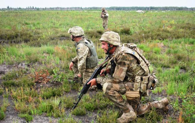 За последние сутки интенсивность обстрелов украинских позиций уменьшилась, - штаб АТО