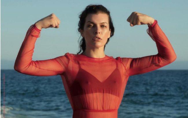 В ідеальній формі: 44-річна Мілла Йовович в топі і легінсах захопила мережу спортивною фігурою