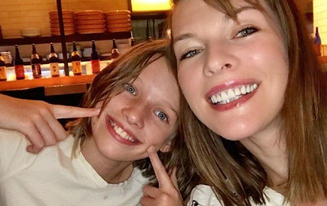 Клон: 12-річна дочка Мілли Йовович захопила мережу красою і схожістю зі знаменитою мамою