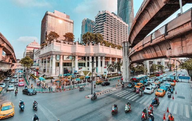 Вопреки ожиданиям. Курортная страна откладывает открытие крупных городов для туристов