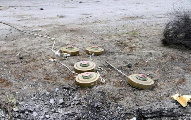 Фото: с начала войны на минах погибли 42 ребенка