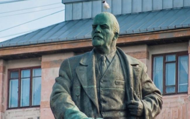 Памятник с ангелом Светогорск Шар. Габбро-диабаз Жирновск