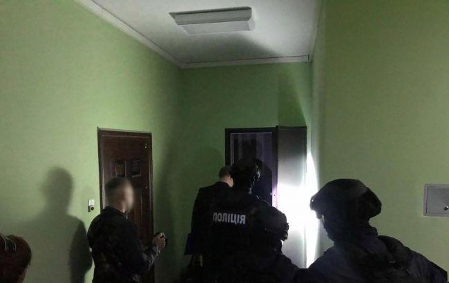 Шантажировали политиков и чиновников: полиция разоблачила преступную группу