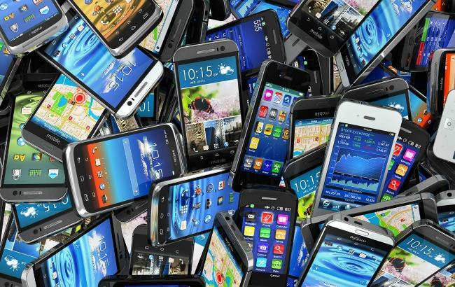 Фото: Зростання продажів смартфонів у світі сповільниться в 2016
