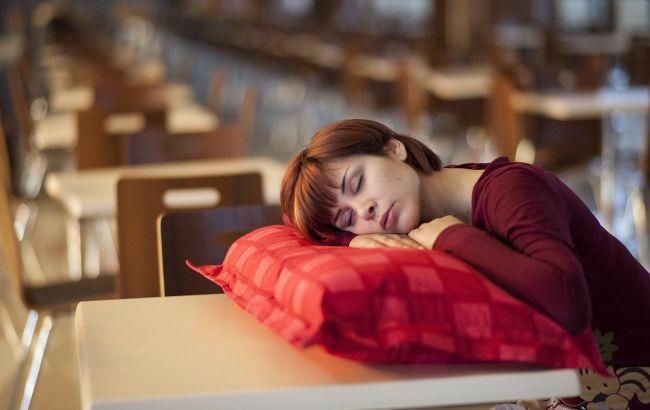 Вага впливає на сон людини: вчені зробили нову заяву про ожиріння