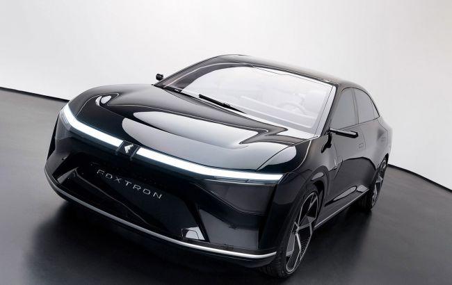 Тайванський суперник Tesla Model S отримав екрани на кузові для спілкування із зовнішнім світом